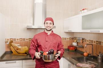 Cocina domestica con vegetales