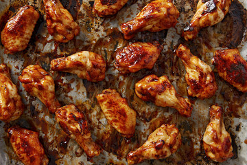 Chicken wings with sriracha sauce
