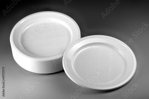 Fotobehang Picknick piatti di plastica
