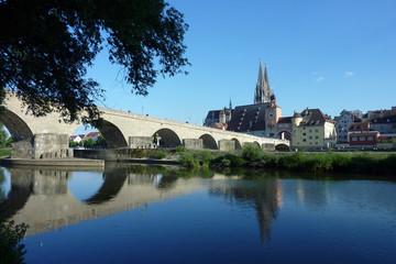 Steinerne Brücke mit Regensburger Dom
