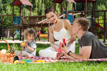Soap bubbles on a picnic
