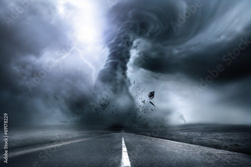 Fotobehang Onweer Destructive Powerful Tornado