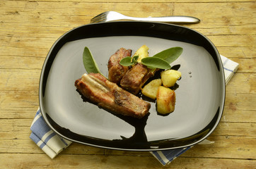 Costicine di maiale Rack of pork ribs Каре свиные ребрышки