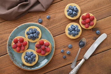 tart with fresh raspberries and blueberries