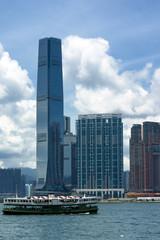香港島から望む九龍の高層ビル