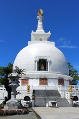 花岡山の仏舎利塔
