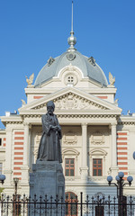 Coltea Hospital with statue of Mihai Cantacuzino in front