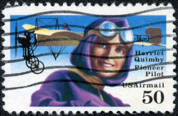 image of the pioneer lady pilot, Harriet Quimby