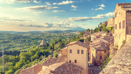 Leinwanddruck Bild Landscape of the Tuscany seen from the walls of Montepulciano, I