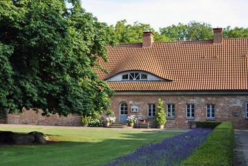 Kloster Heiligenhafen Frau