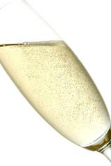 spumante in bicchiere sfondo bianco
