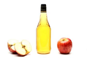 aceto di mele sfondo bianco