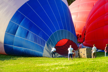 Inflation of balloons and balloon basket