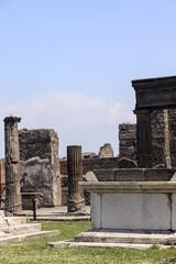 Ruinen am Apollo-Tempel in Pompeji