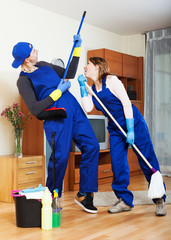 housecleaners cleaning house
