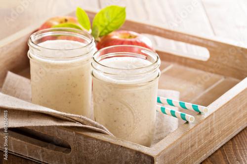 Apple Banana Cinnamon Smoothie - 69250403