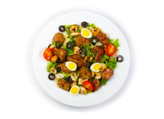 Fresh salad with chicken liver, mushrooms and vegetables