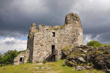 ruins of Primda castle