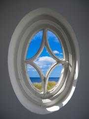 Altes Fenster mit Meerblick