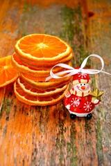 Orangenscheiben mit Schneemann