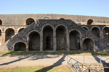 Pompeji - Seiteneingang mit Aufgang zum Amphi Theater