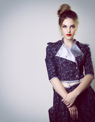 fashion girl, portrait of young glamour luxury fashionable woman