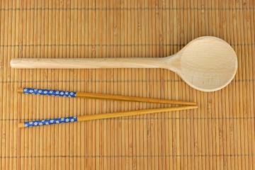Aziatisch koken en eten met stokjes