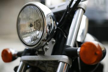 Motorradscheinwerfer im Detail