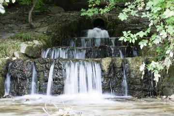 mehrstöckiger Wasserfall