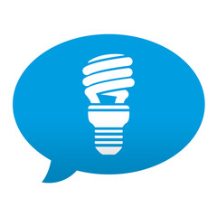 Etiqueta tipo app azul comentario simbolo bombilla bajo consumo