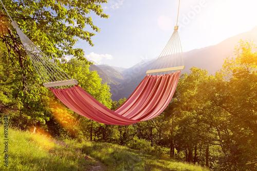 canvas print picture Hängematte im Sommer in den Alpen