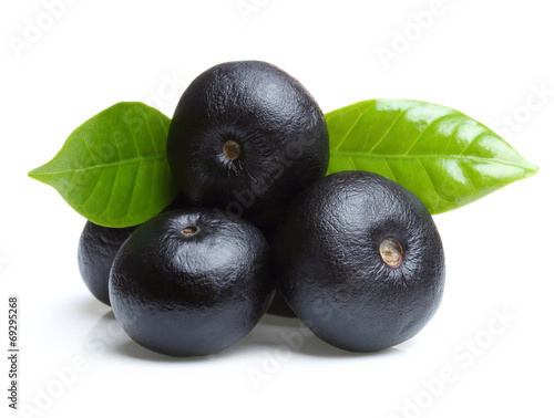 Foto op Plexiglas Voorgerecht Amazon acai fruit with leaf