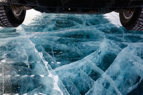 Foto op Aluminium Antarctica 2 Car on ice