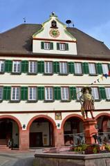Rathaus mit Brunnen in Weil der Stadt