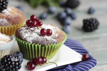 Muffins mit frischen Früchten