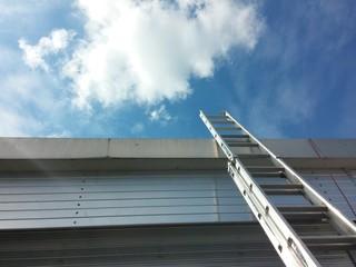 Leiter auf Dach