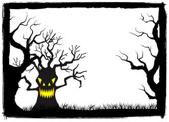 wilder Baum in einer Halloween Nacht