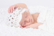 Newborn schläft