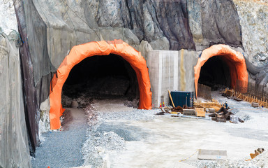 The tunnel under construction.