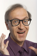 Portrait of a man wearing spectacles.