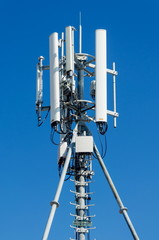 Mobile phone network antenna