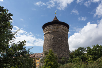 nuernberg laufer cizy wall tower
