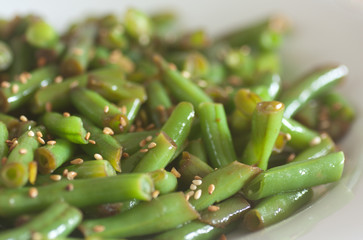 Cooked green beans with sesame and soya