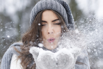 When snow falls everyone feel like a kid