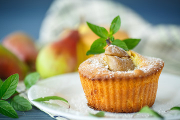 muffins with pear