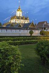 Wat Ratchanatda in Bangkok bei nacht