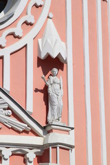 Скульптура на церкви Св. Иоанна Предтечи (Чесменская церковь)