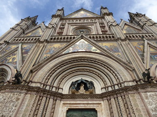 Fachada del domo de Orvieto