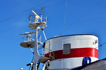 Tube and mast of the ship