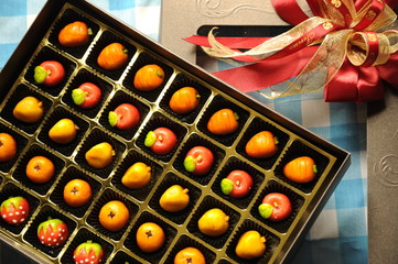 Fruit Tart Cookies in a Gift Box